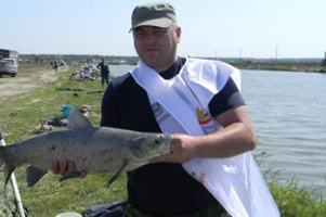 Профессионалы и любители поборолись за победу в «Народной рыбалке»